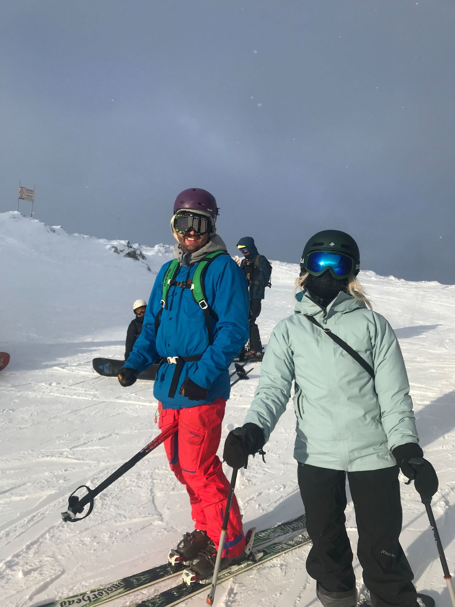 Tine and Nicolay skiing in Hemsedal
