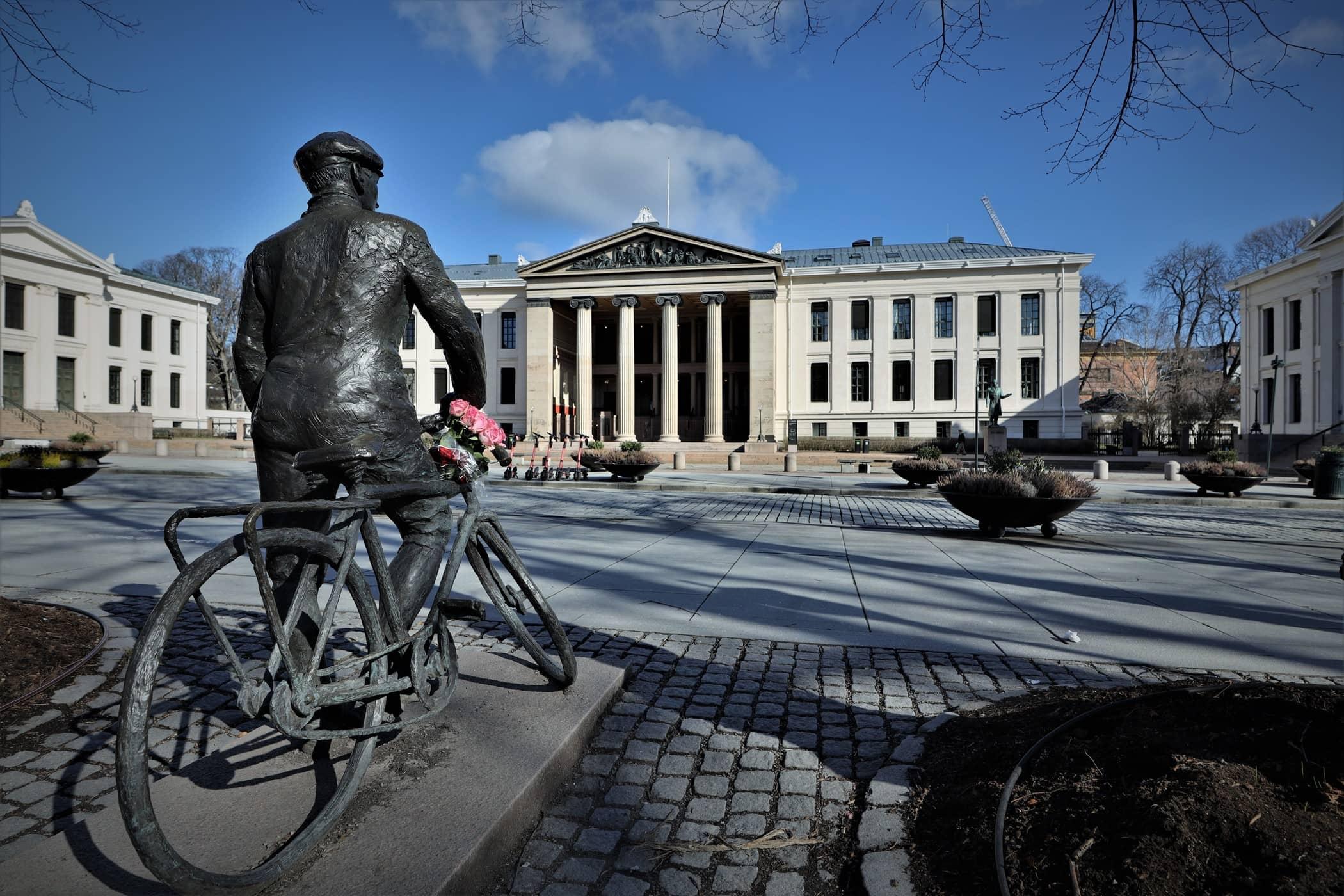 Empty Oslo 3.jpg