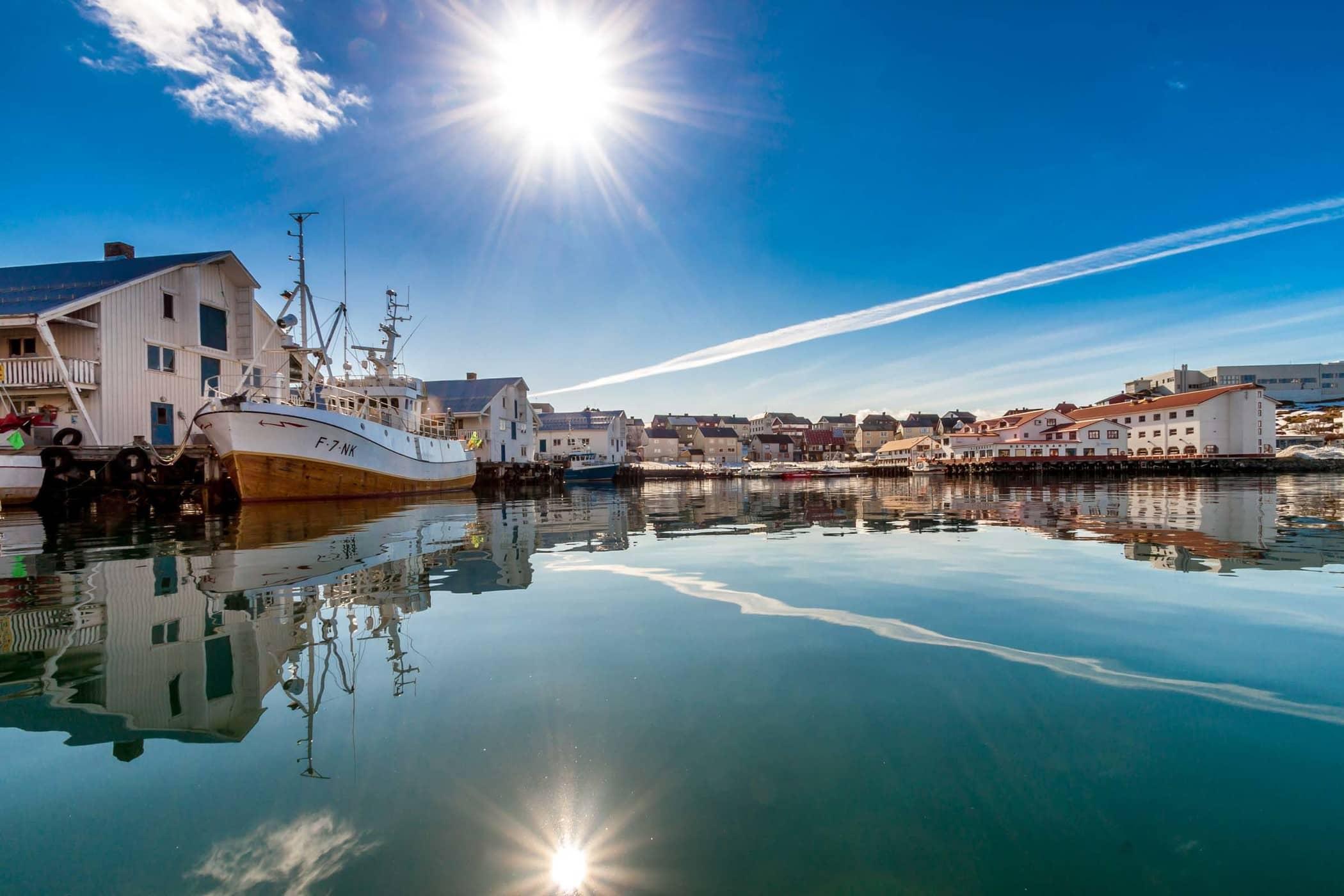 2. Vagen Honningsvag Bay Summer - Photo credit Kjell Bendik Pedersen by Visit Nordkapp nr.1.jpg